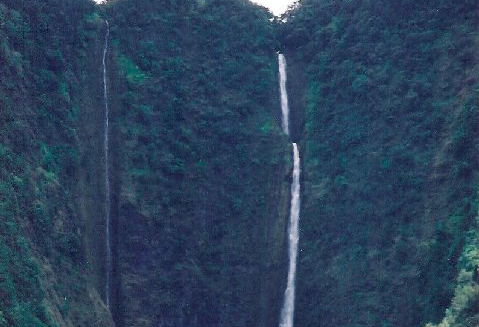 Attraits touristiques à Hawaii : Hiilaw Falls, Waipio Valley and Overlook